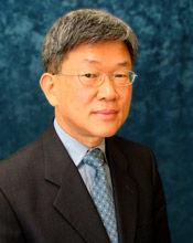 headshot of Shiyoung